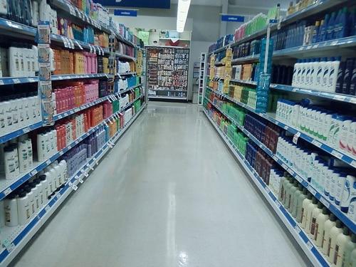 shampoo aisle at store